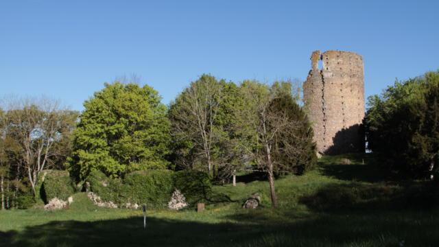 Tour du château de Fréteval