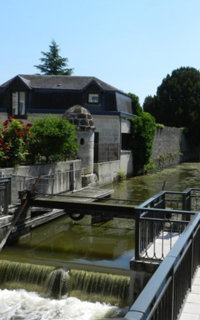 Déjeuner en terrasse Au Moulin Du Loir