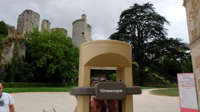 Borne Timescope dans le parc du château de Vendôme