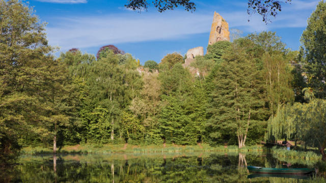 Etang & forteresse de Mondoubleau