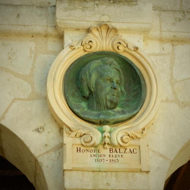 Médaillon Balzac Hôtel De Ville Vendôme
