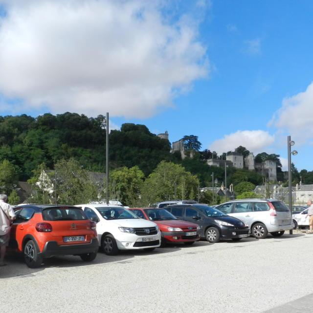 Stationnement pour les voitures à Vendôme