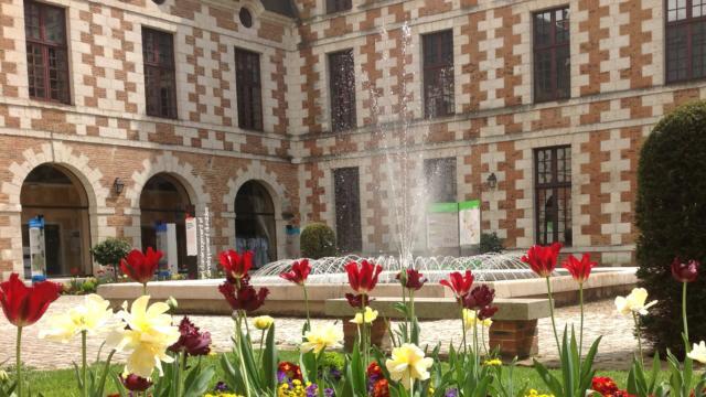 Cour intérieure - Hôtel de ville de Vendôme